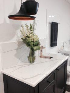 quartz countertop in Smartstone Calacatta Blanco