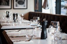 quartz tables in Smartstone Statuario Venato