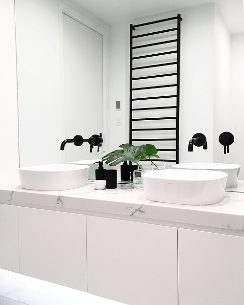 vanity countertop in Smartstone Statuario Venato