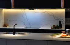 quartz splashback in Statuario Venato
