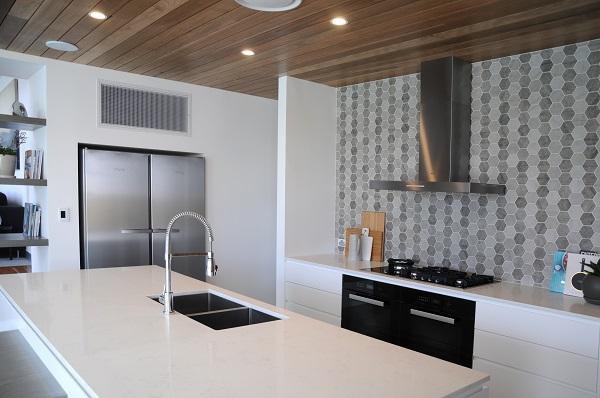 quartz kitchen benchtop in Smartstone Amara