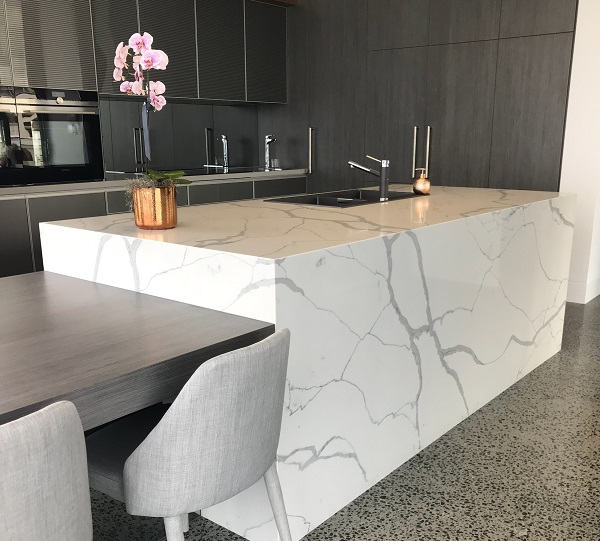 kitchen benchtop in Smartstone statuario venato