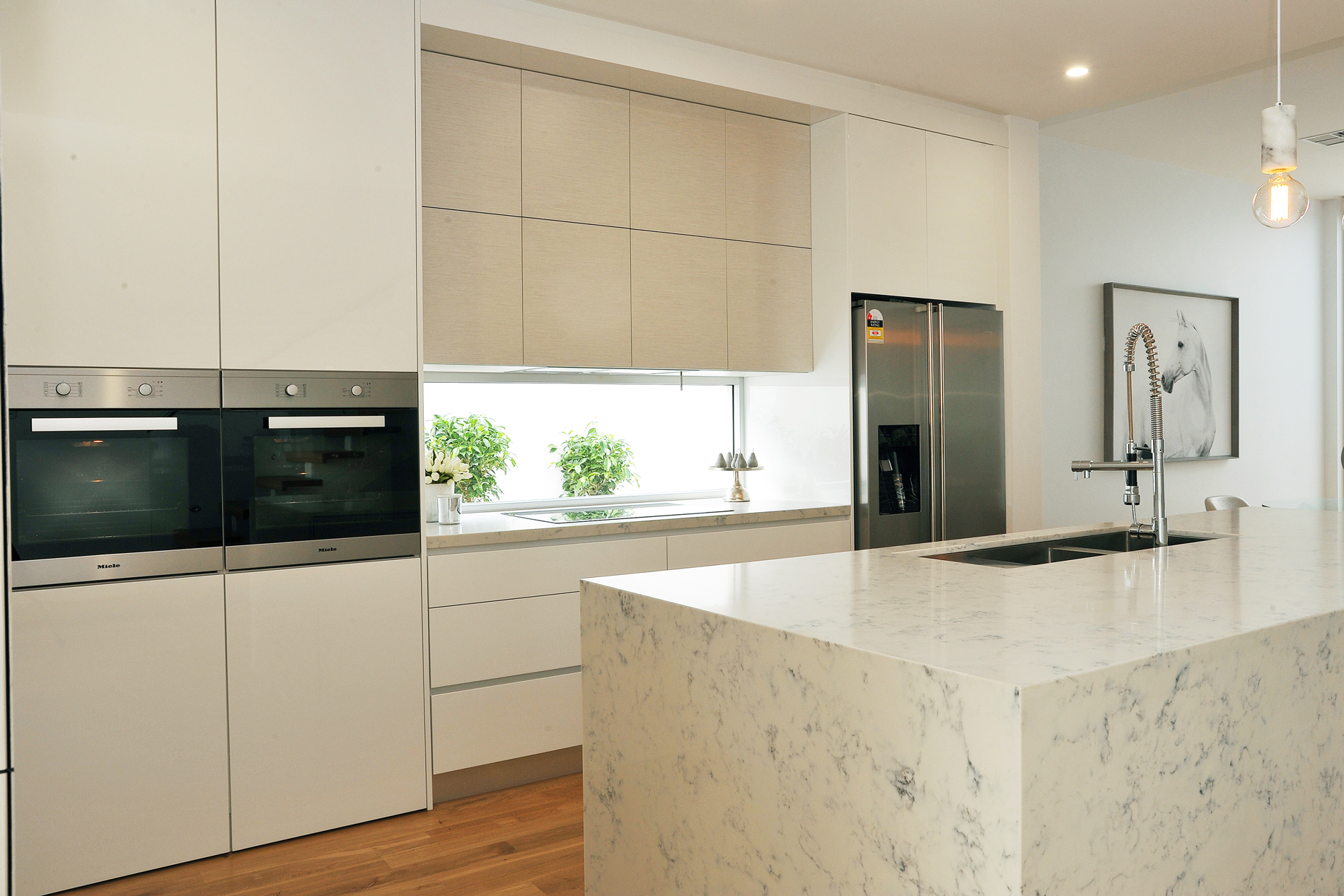 Glenelg units by jag kitchens for Kitchen units sa