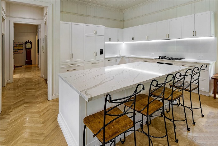 kitchen benchtop in Smartstone Calacatta Manhattan