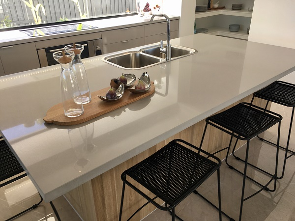 kitchen benchtop in Smartstone Ceniza