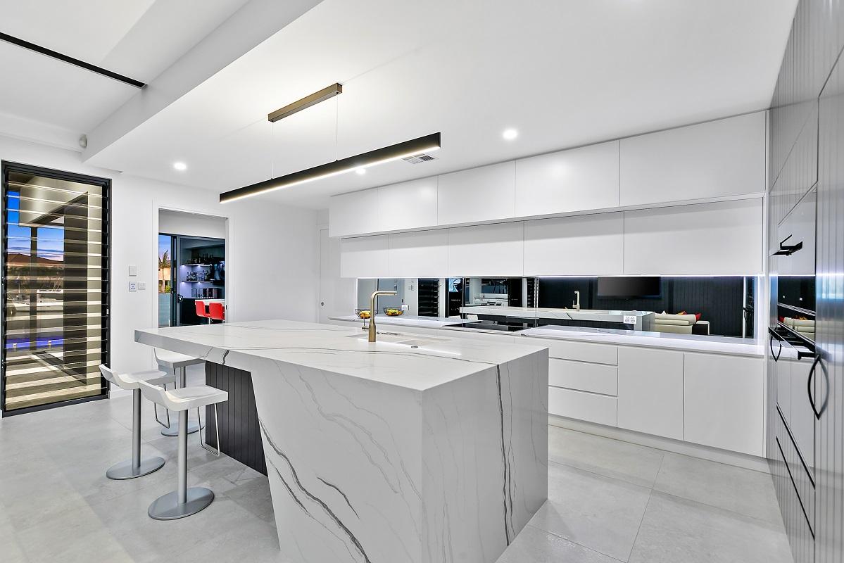 kitchen with Smartstone Bianco Molasa