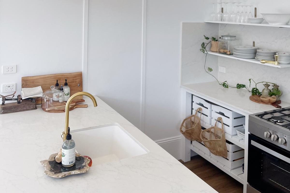 kitchen benchtops in cottage reno